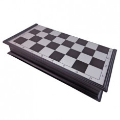 Sah si Table Magnetice