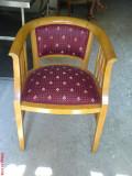 Doua scaune retapitate