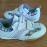 Adidasi firma Venture marimea 31,sunt noi!