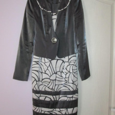 Costum ocazie Leonard Collection + pantofi BBUP piele asortati la costum - Costum dama, Marime: 38, Culoare: Gri
