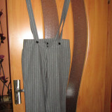 Pantaloni cu bretele  gri