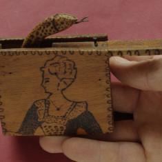 Artizanat din perioada comunista - jucarie pirogravata - joc de colectie - sarpe - Joc colectie
