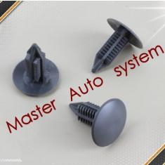 Clips fixare pasla(insonorizant) capota si capitonaj portbagaj Renault Megane 2(pt an fab '02-'09)