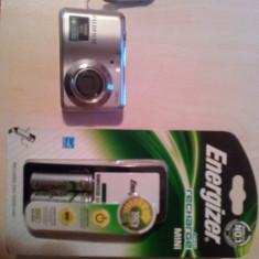 Vand aparat foto Fujifilm AV100 + 2Acumulatori