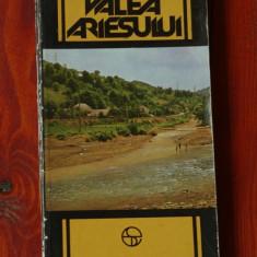 Carte ----  Valea Ariesului ( contine Harta ) - Ion Popescu Argesel - ed sport turism 1984 - 238 pagini, Alta editura