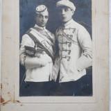 Foto pe carton gros, Uniforme din Cernauti, inceput de secol 20 - Fotografie veche