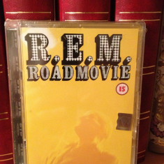 R.E.M. - ROAD MOVIE / LIVE (1996/2003/WARNER MUSIC) -gen:ROCK - DVD NOU/SIGILAT - Muzica Rock
