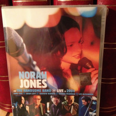 NORAH JONES and THE HANDSOME BAND -LIVE IN(2004 /CAPITOL REC) - DVD NOU/SIGILAT - Muzica Rock capitol records