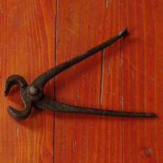 Scule / unelte - Cleste vechi pentru cuie sau alte lucruri !!! - Metal/Fonta