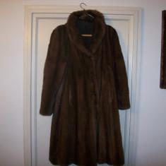 Vizon haina de blana