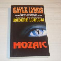 GAYLE LYNDS - MOZAIC - Carte politiste