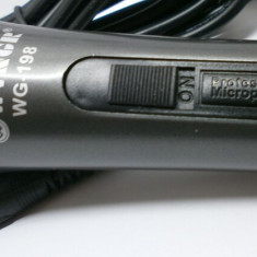 Microfon profesional WG-196 cu fir - Echipament karaoke