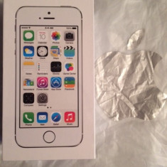 iPhone 5S Apple NOU(sigilat) NEVERLOCKED 16GB Silver cu garantie internationala 2 ani, Argintiu, Neblocat