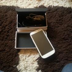Samsung galaxy S3 Alb Neverlock 16 GB FULL BOX+ husa flip sigilata alba - Telefon mobil Samsung Galaxy S3, Neblocat, Quad core, 1 GB