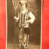 Fotografie -Tanara imbracata in Costum Popular barbatesc -Foto Pelisor, Arta, Romania 1900 - 1950