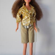 Papusa de tip Barbie