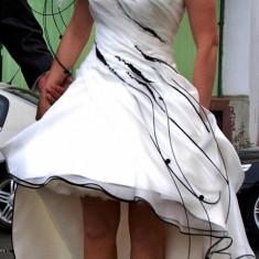 Rochie scurta mireasa casa de moda Nanette - Rochie scurta de mireasa