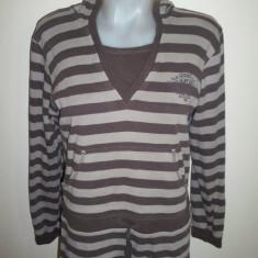 Bluza de la Here&There de la C&A, made in Germany; 55.5 cm bust, 62 cm lungime - Hanorac dama, Marime: Alta, Culoare: Maro, Bumbac