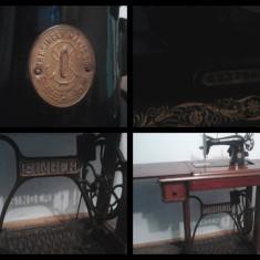 masina cusut ZiNGER