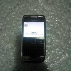 Vand Nokia E71 - Telefon mobil Nokia E71, Gri, Neblocat