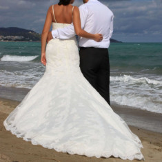 Vand rochie de mireasa LA SPOSA de dantela model Sirena!!!!, Rochii de mireasa sirena