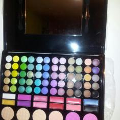 Trusa Make-up 78 Culori, Blush, Luciuri Farduri Profesionale OFERTA 50 % REDUCERE