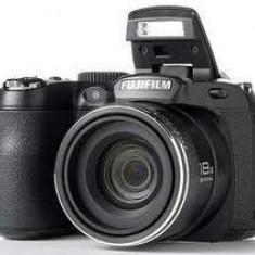 Fujifilm S2950+card4GB+Husa+Incarcator cu 4 acumulatori energizer - Aparat Foto compact Fujifilm, Bridge, 14 Mpx, 18x, 3.0 inch