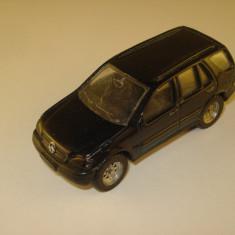Maisto MERCEDES - BENZ ML 320 - Macheta auto Siku