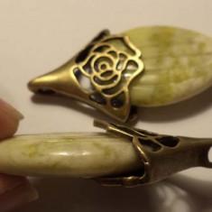 Pandantiv/martisor bronz cu samanta din jad lemon