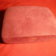 Caseta veche pt. Bijuterii -portabila ,catifea ,14,5 x 11,5 cm
