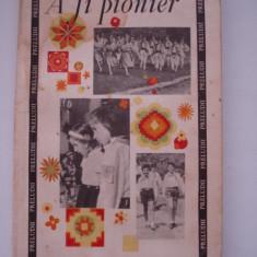 A FI PIONIER - Carte Epoca de aur