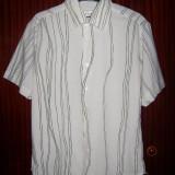 Cămaşăa Frenzy albă cu dungi negre verticale subţiri, mărimea L (41/42)