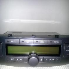 Panou control dublu climatronic, toyota avensis > 2004, stare buna