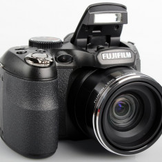 Fujifilm FinePix S2950 la cutie completa si cu garantie - Aparat Foto compact Fujifilm, Compact, 14 Mpx, 18x, 3.0 inch