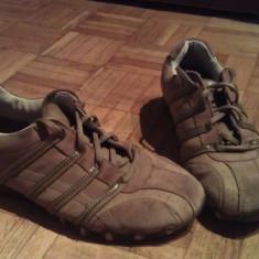 Adidasi Skechers
