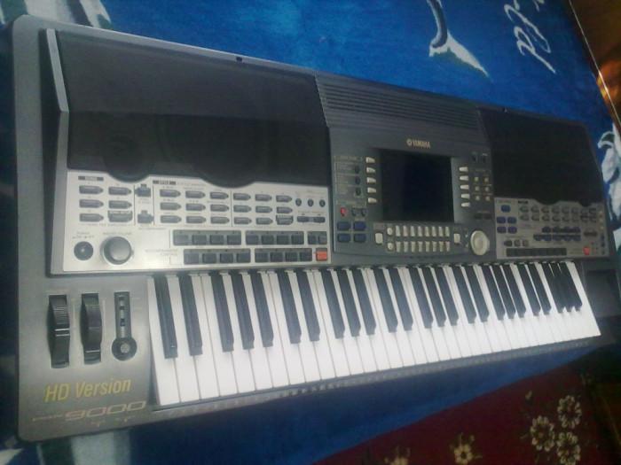 Vand Yamaha psr 9000,stare exceptionala+husa si program(hdd 30gb,ram 64mb)