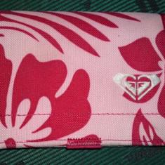 Portofel Quiksilver - roz - Portofel Dama Quiksilver, Cu inchizatoare