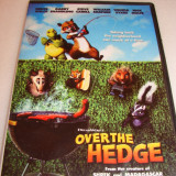 OVER THE HEDGE (Peste tufis) - Bruce Willis / Steve Carell - DVD Desene Animate, Romana