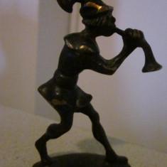 Statueta veche din bronz ,muzicant