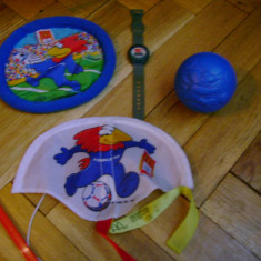 Set complet 4 colectie jucarii McDonalds Coupe du Monde 1998 Campionatul Mondial de Fotbal FIFA Franta mascota original ceas frisbee minge zmeu Franc - Jucarie de colectie