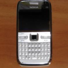Nokia E72 - Telefon mobil Nokia E72, Gri