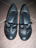 Pantofi CUBE, piele naturala; marime 38 (25 cm talpic interior); impecabili