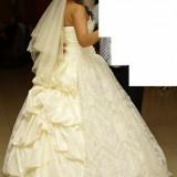 Vand rochie de mireasa MODEL DEOSEBIT