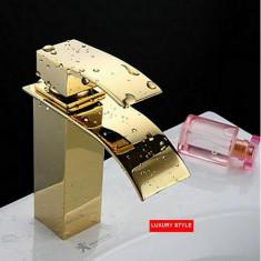 110214 Baterie robinet baie chiuveta cascada auriu - Baterie baie