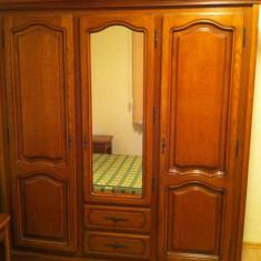 Dormitor din lemn in stare excelenta - Dormitor complet