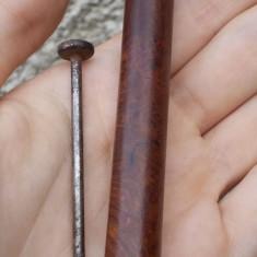 AuX: Curatator de pipa deosebit, facut din lemn si metal, in stare foarte buna! - Accesorii Pipa