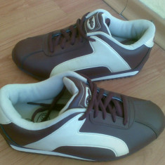 Adidasi din piele firma Buffalo marimea 39, sunt noi! - Adidasi dama Buffalo, Culoare: Mov, Mov