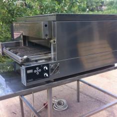 Vand cuptor de covrigi aproape nou - electric - Panificatie