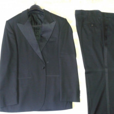 Costum HUGO BOSS - Costum barbati Hugo Boss, Marime: 50, Culoare: Negru, 1 nasture, Marime sacou: 50, Normal