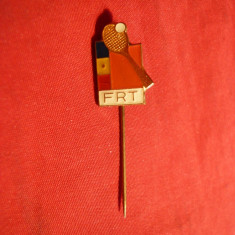 Insigna veche Federatia Romana Tenis